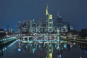 Skyline Frankfurt Bild : skyline frankfurt am main nachts fotografie als poster und kunstdruck von klaus tetzner ~ Eleganceandgraceweddings.com Haus und Dekorationen