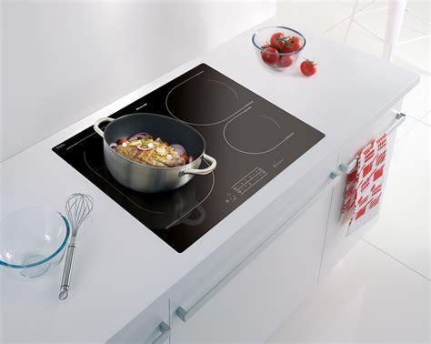 plaque de cuisson passez 224 l induction journal des
