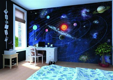 Kinderzimmer Junge Weltraum by Kinderzimmer Mit Sonnensystem An Der Wand Ideen Rund Ums