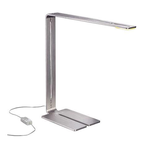 le de bureau led but le led de bureau au design moderne un luminaire d