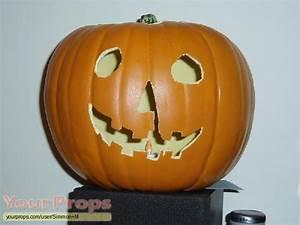 Halloween Halloween 1 replica pumpkin. replica movie prop