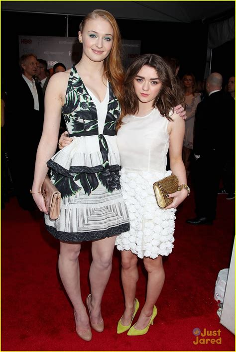 Sophie Turner & Maisie Williams Are BFF's at the 'Game of ...