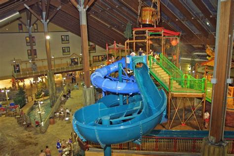 indoor waterparks  upstate ny  places    warm