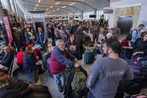 atlanta international airport shut   sudden power