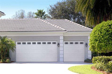 Garage Door Style Windows by Amarr Panel Garage Door In True White With Prairie