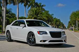 Chrysler 300 Srt8 : 2013 chrysler 300 srt8 top speed ~ Medecine-chirurgie-esthetiques.com Avis de Voitures