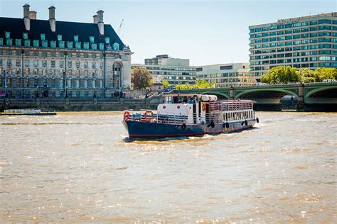 River Boat To Kew Gardens by Visit To Kew Gardens With Thames River Cruise From Central