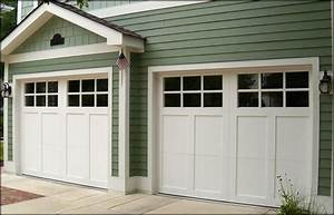 Forest garage doors chicago residential garage doors for Carriage style garage doors with windows