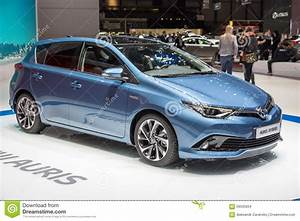 Toyota Auris 2015 : 2015 toyota auris hybrid editorial stock image image 58505834 ~ Medecine-chirurgie-esthetiques.com Avis de Voitures