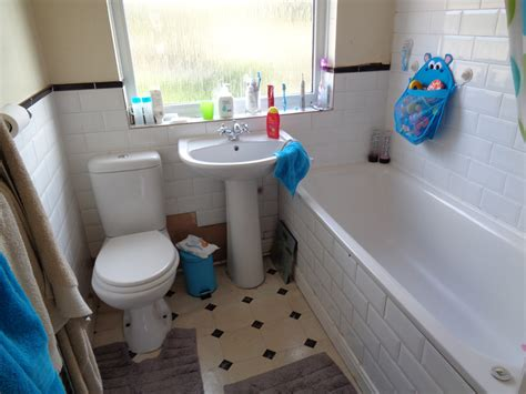 Coventry Bathrooms » Old Bathroom In Royal Leamington Spa