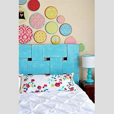 17 Smart + Simple Ways To Decorate Your Dorm Room  Brit + Co