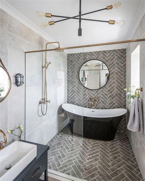 extravagant master bathroom complete  freestanding