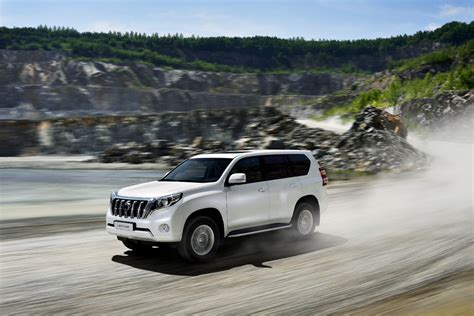 2020 Toyota Prado Redesign  In Connection To Midsized