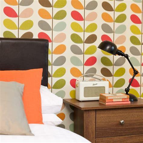 bedside table bright bedroom ideas housetohomecouk