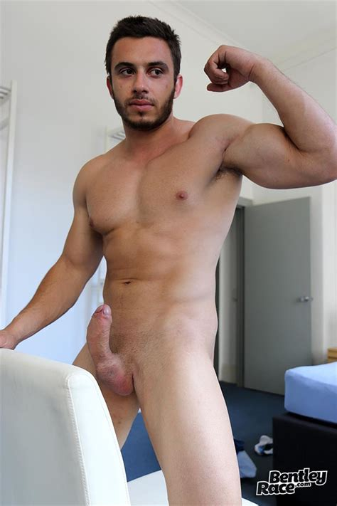 Straight Australian Beefy Muscular Guy Strokes His Thick Uncut Cock – Big Uncut Dicks