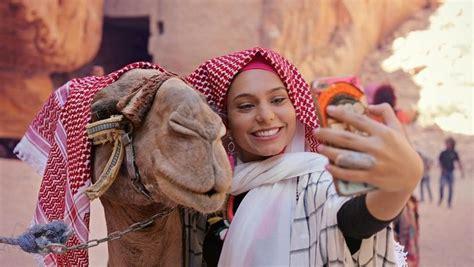 hijabers  lawan stereotipe timur tengah bukan