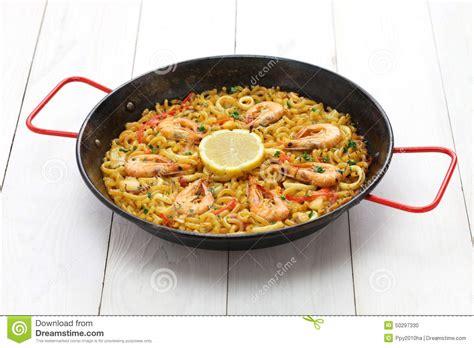 cucina spagnola paella fideua paella della pasta cucina spagnola fotografia