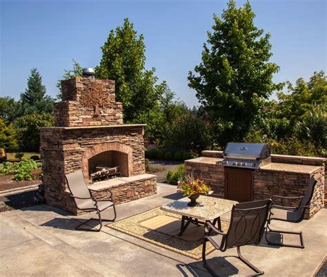 cheminee extérieure barbecue cuisine d 233 t 233 ouverte ou couverte 21 232 res de l am 233 nager