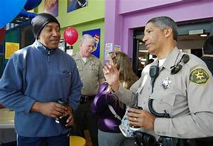 Have 'Coffee with a Cop' in Palmdale Friday