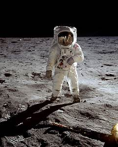 "Moon Landing Pics: ""Gee-Whiz"" Afterthought - Boing Boing"