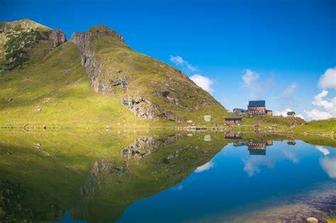 Die 5 schönsten Bergseen in den Alpen • TouriSpo Magazin