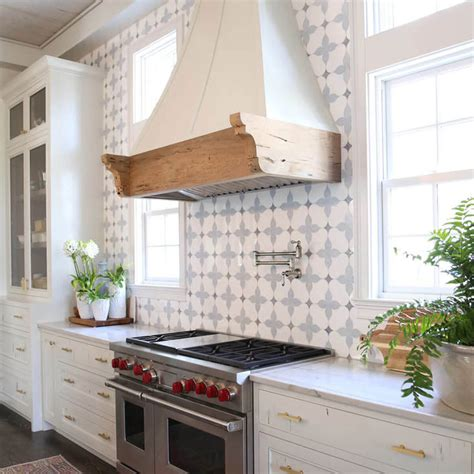 showstopping tile backsplash ideas  suit  style