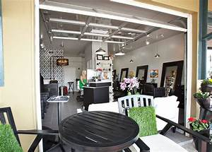 Garage Salon : does your hair salon have a garage door to open on a beautiful austin day maybe it should yelp ~ Gottalentnigeria.com Avis de Voitures