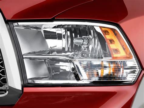 image 2012 ram 1500 2wd crew cab 140 5 quot laramie headlight