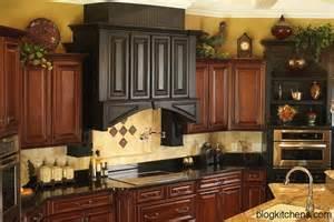 kitchen decor ideas 2013 vintage kitchen cabinets decor ideas and photos kitchen design ideas