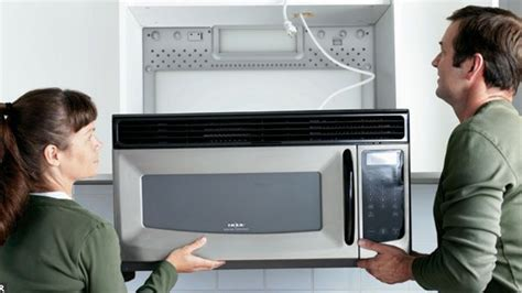 poser plinthe cuisine comment poser plinthe cuisine hygena