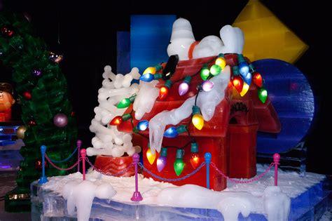 gaylord palms ice display   peanuts theme