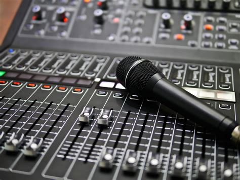 Tips for Renting Audio Visual Equipment - This Lady Blogs