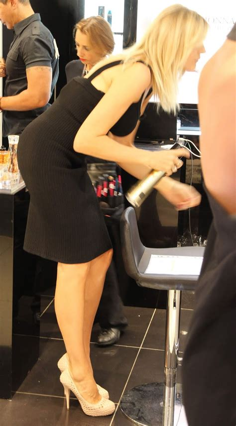 Heavenly Ladies Candid Hot Milfs Shopping