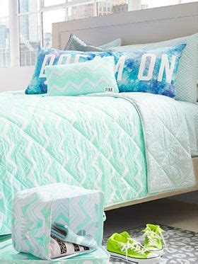 I Love This Vs Pink Dorm Bedding It Reminds Me Of The