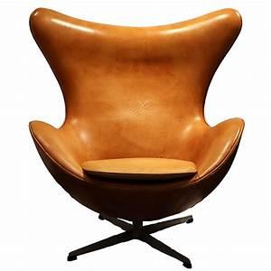 Le fauteuil egg d39arne jacobsen chef d39oeuvre du design for Fauteuil jacobsen