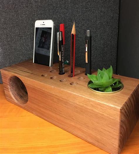 project  year  woodwork students amplifierdesk