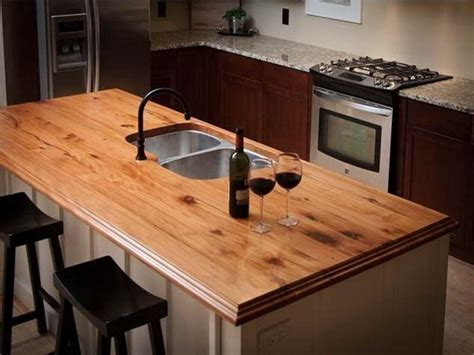 Flooring ideas for small kitchens, wood laminate kitchen