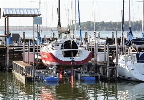 In Water Boat Lift by Hydrohoist Floating Boat Lifts And Pwc Lifts