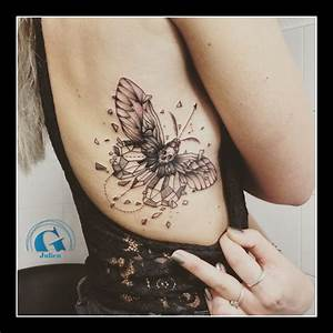 Tatouage Papillon Signification : tatouage graphique graphicaderme ~ Melissatoandfro.com Idées de Décoration