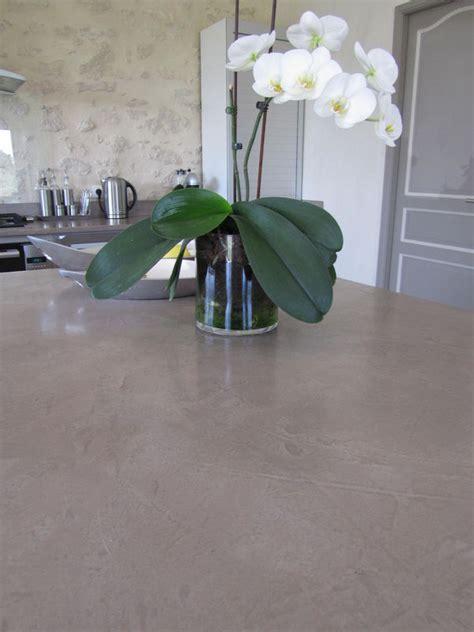 un ilot de cuisine cuisine plan de cuisine en beton cire photo de beton