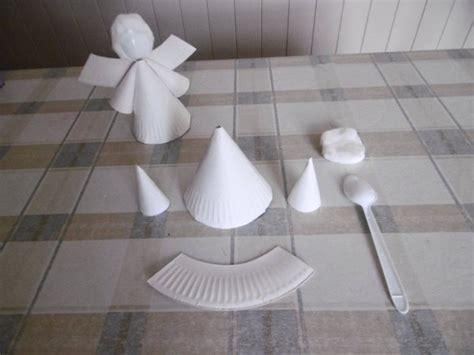 un ange avec une assiette en et une cuill 232 re en plastique les p tites mains bricoleuses