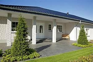 Baumeister Haus Preise : hauseingang berdacht bungalow mit walmdach haus dittmer baumeister haus ~ Frokenaadalensverden.com Haus und Dekorationen