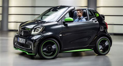 Daimler To Stop Selling Gaspowered Smart Cars In Us & Canada