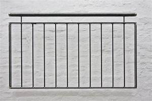 Franzosisches balkongelander mit vertikalen for Französischer balkon mit sonnenschirm 6m durchmesser