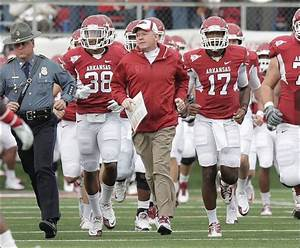 Arkansas fires Petrino for 'pattern of misleading ...