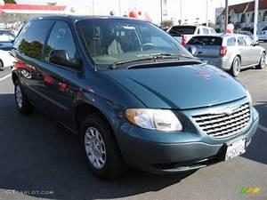 2002 Aquamarine Metallic Chrysler Voyager #3899254 Photo ...