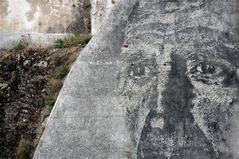 deconstructed granite deconstructed wall art by alexandre farto aka vhils greenfilteringbrain