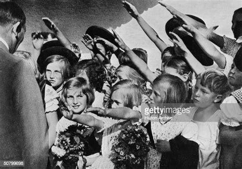 hands  children greeting  german nazi dictator