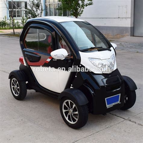 Number One Electric Car by 2019 Professional 3 Seater Electric Car Battery For