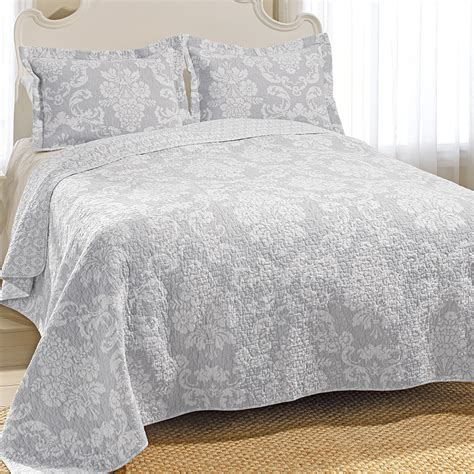 gray quilt bedding venetia gray quilt set from beddingstyle